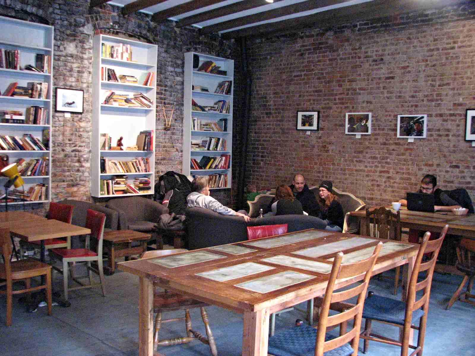 Nimba: クラウンハイツの変化を感じさせるカフェ。